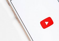 How to loop YouTube on Android or iPhone