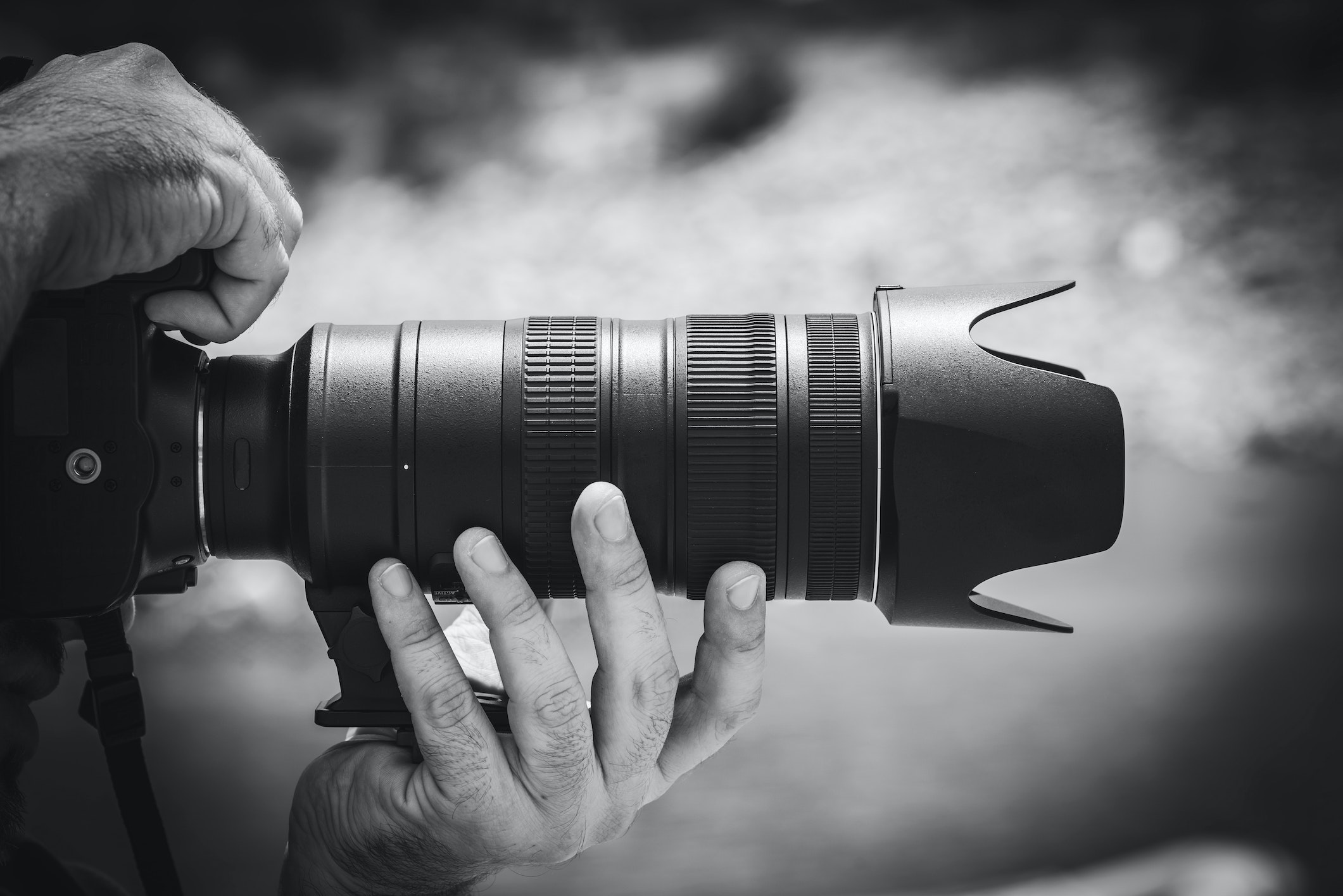 DSLR camera lens example
