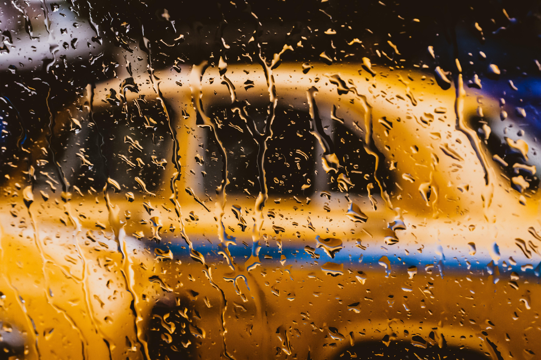 Wet lens in rain photoshoots as an advantage
